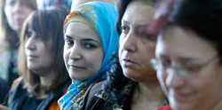 أفراد من عائلات موقوفين في اغتيال الحريري (ارشيف ــ بلال جاويش)