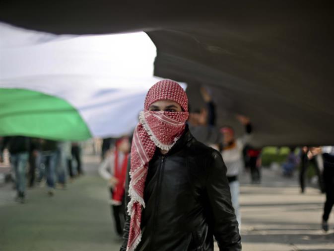 «كلاكيت» فلسطيني مقلوب: السلطة على خطى «حماس»؟