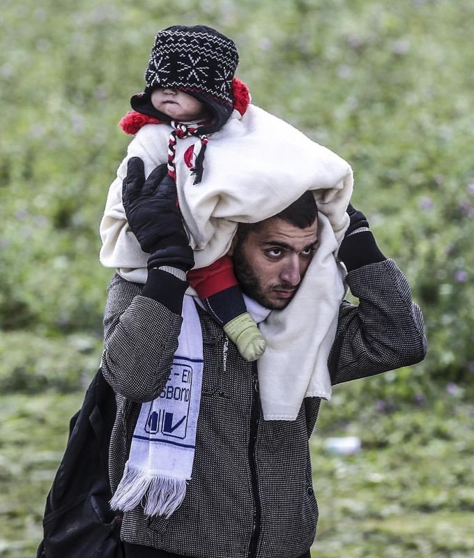 حتى القبور أصبحت عبئاً ثقيلاً على اللاجئين السوريين (أ ف ب)