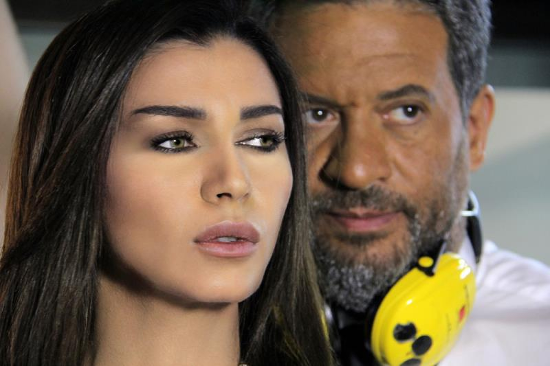 نادين الراسي وماجد المصري في مشهد من المسلسل