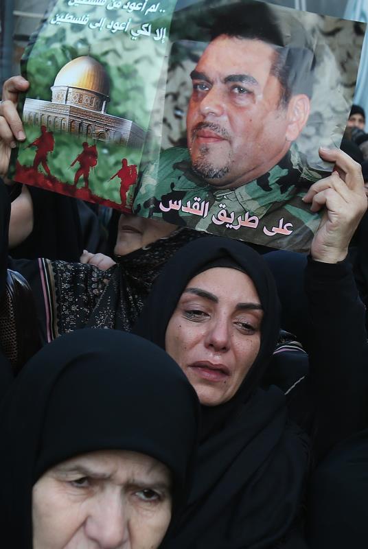 تشييع مهيب للقيادي في المقاومة الشهيد سمير القنطار أمس