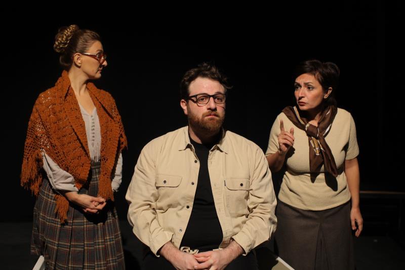 من اليمين: جيزيل بويز، وفؤاد يمين، ولارين خوري
