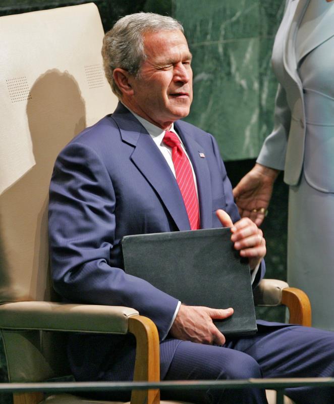 قبل إدارة بوش الابن لم تكن هناك طبلة خارجية للرقص على إيقاعها