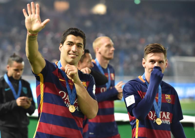 رفع برشلونة خمس كؤوس عام 2015 آخرها كأس العالم للأندية (كازوهيرو نوغي - أ ف ب(