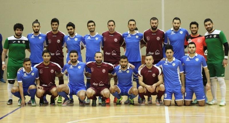 لاعبو فريقَي طرابلس والقلمون قبل المباراة