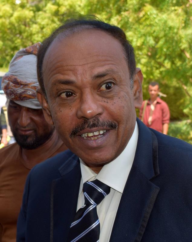 """محافظ عدن، اللواء جعفر سعد، الذي تبنّى تنظيم """"داعش"""" اغتياله"""