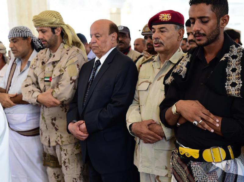 يسكن هادي في قصر المعاشيق تحت حراسة مشددة من قوات إماراتية وسودانية