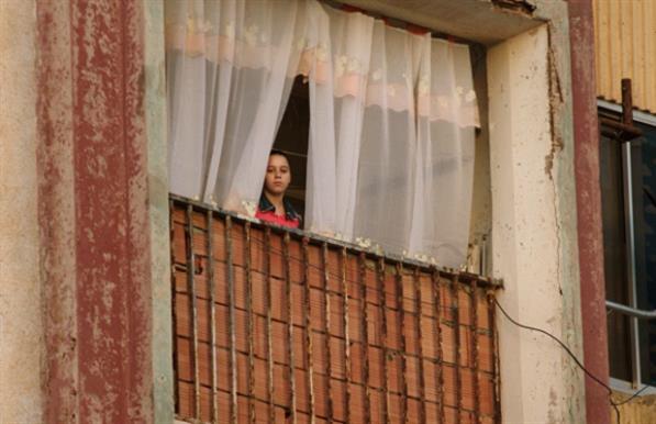 «مدام كوراج» إنتاج جزائري فرنسي مشترك، تدور أحداثه حول مراهق مهمَّش مدمن على المخدرات