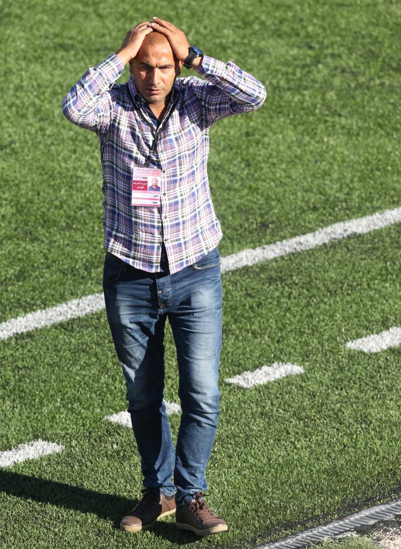 أصبح فريق طرابلس ومدربه فادي العمري في مأزق بعد الخسارة الثالثة