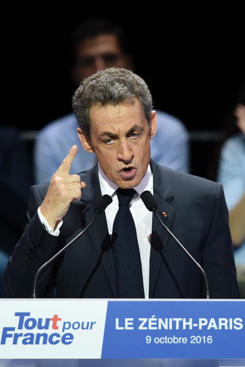 تراجع ساركوزي بخمس نقاط خلال شهر (أ ف ب)