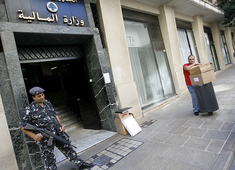 يصف غودفري لبنان بأنه أصبح «ملاذاً ضريبياً محلياً» (مروان طحطح)