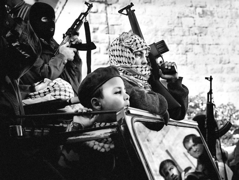 قوّات منظمّة التحرير لم تنخرط جديّاً في القتال حتى أوائل ١٩٧٦