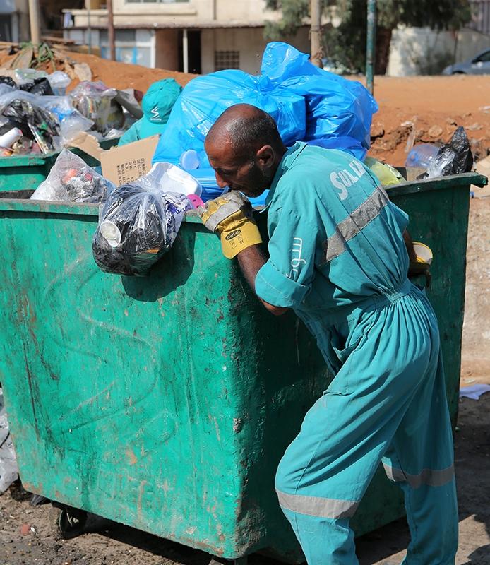 تراكم في اليومين الماضيين نحو 5 آلاف طن من النفايات (هيثم الموسوي)