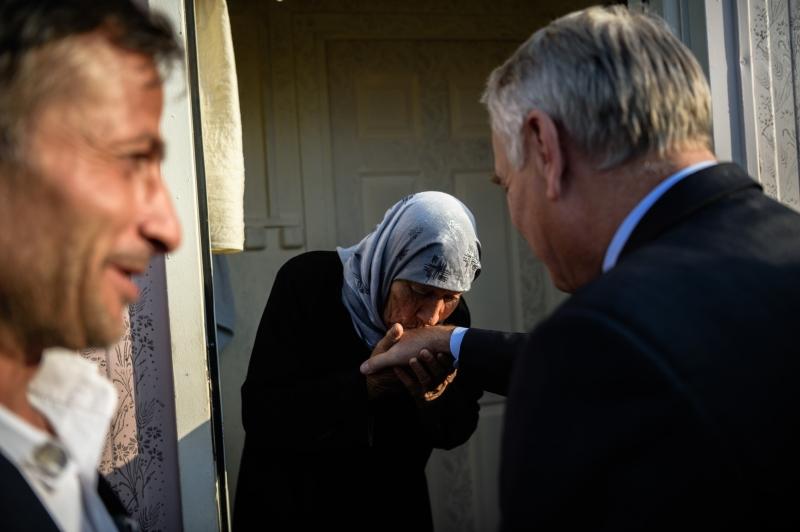 خلال زيارة إيرولت لمخيم للاجئين في كيليس التركية (أ ف ب)