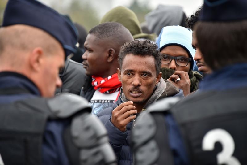 باحث فرنسي: لا يقدّم تدمير المخيم حلاً لمشكلة الهجرة