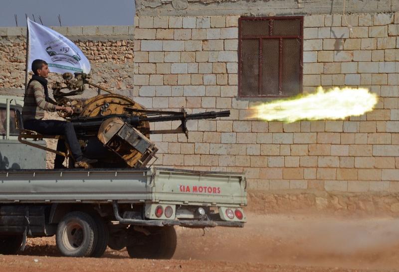 ألقى الجيش مناشير فوق أحياء حلب الشرقية تدعو المسلحين إلى إخلائها «قبل فوات الأوان»
