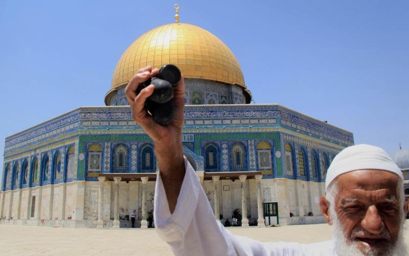 هل بإمكان الفلسطينيين حمل القرار لمنع المستوطنين من دخول الحرم؟ (آي بي ايه)