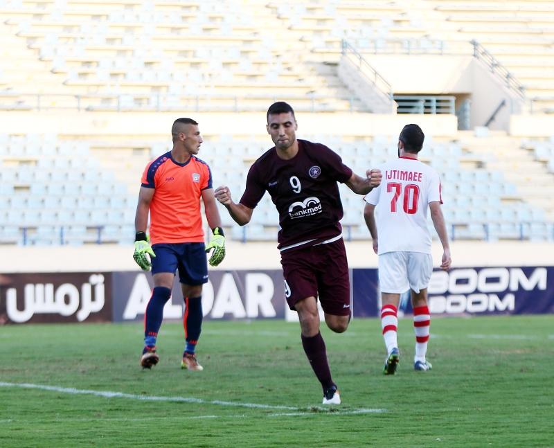 لاعب النجمة عبد الرزاق الحسين يحتفل بالهدف الأول في مرمى الإجتماعي (عدنان الحاج علي)
