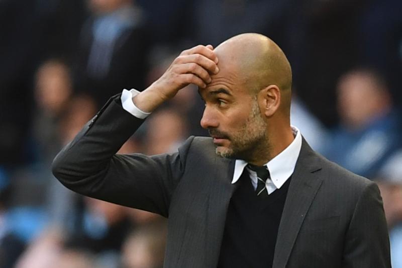 أمام فريقٍ مثل برشلونة لا يمكن لغوارديولا أن يظلّ مصراً على اللعب بنفس الطريقة (أ ف ب)