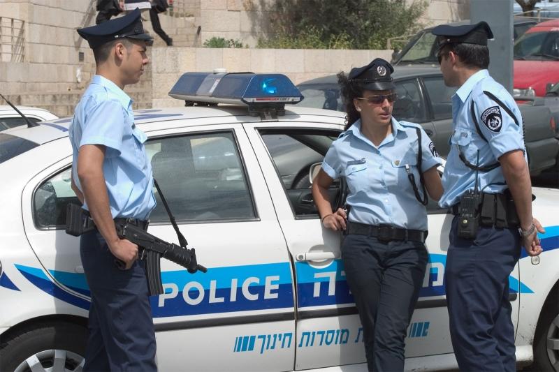 النساء الفلسطينيات أمام مجرميْن: المعنّف والشرطي الإسرائيلي (عن الويب)