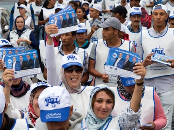 """انتخابات المغرب   """"الإخوان"""" يريدون الصدارة والملك يُراقب"""