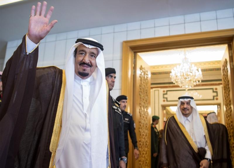 راعت السعودية «التيار السلفي» ولم تذكر كلمة «تقويم ميلادي» علناً (أ ف ب)