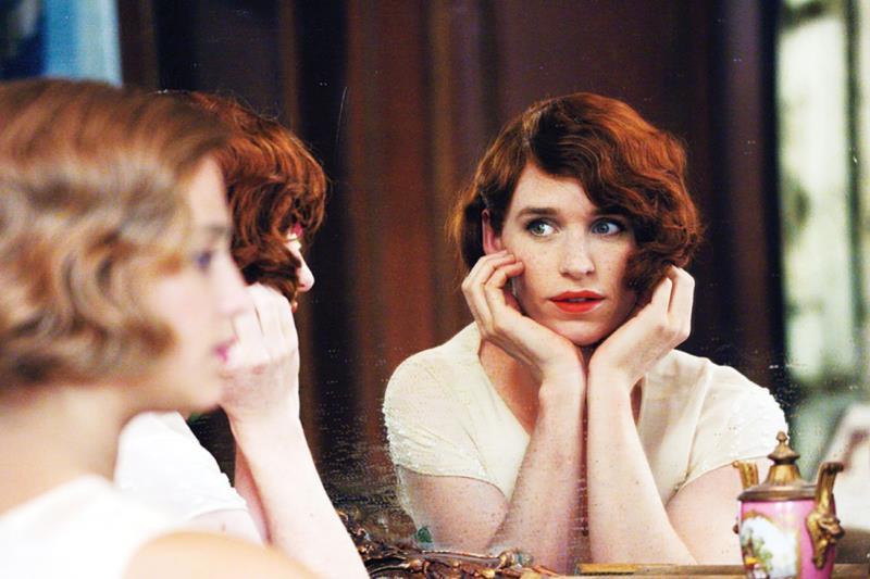 أداء رائع للممثل إيدي ردماين في «الفتاة الدنمركية»