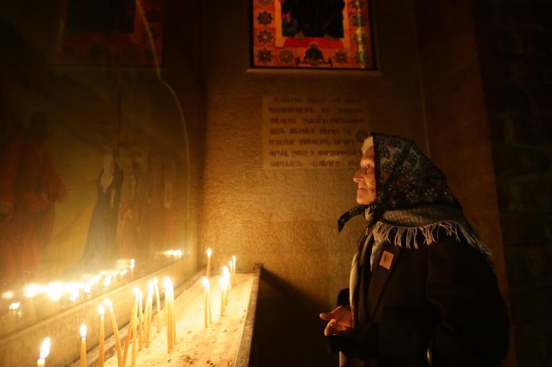 داخل كنيسة مار سركيس الأرمنية في دمشق (لؤي بشارة - أ ف ب)