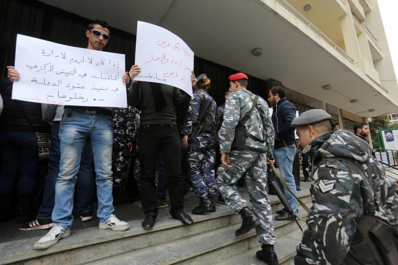 هناك حدود لمقدرة الزعماء على تحريك وطاويط الليل لضرب المتظاهرين
