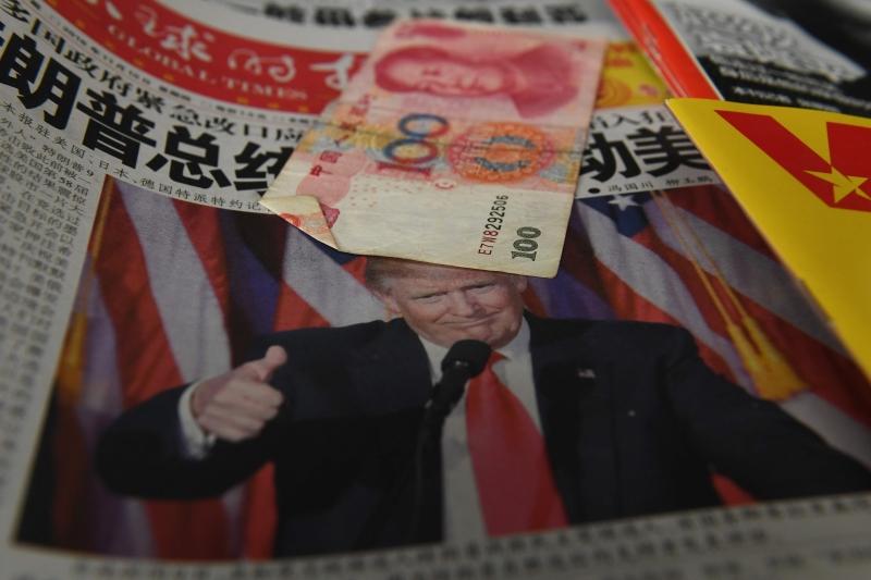 سفير الصين لـ {الأخبار»: ننتظر ونراقب تصريحات وأفعال ترامب (أ ف ب)