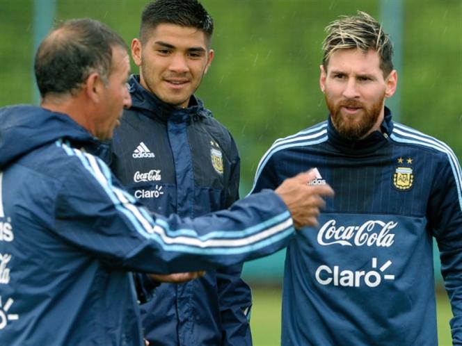 مواجهة صعبة للأرجنتين أمام كولومبيا (أ ف ب)