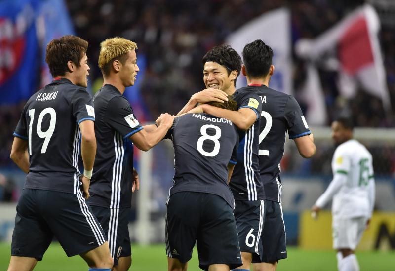 فرحة يابانية بأحد الهدفين (كازوهيرو نوغي ــ أ ف ب)