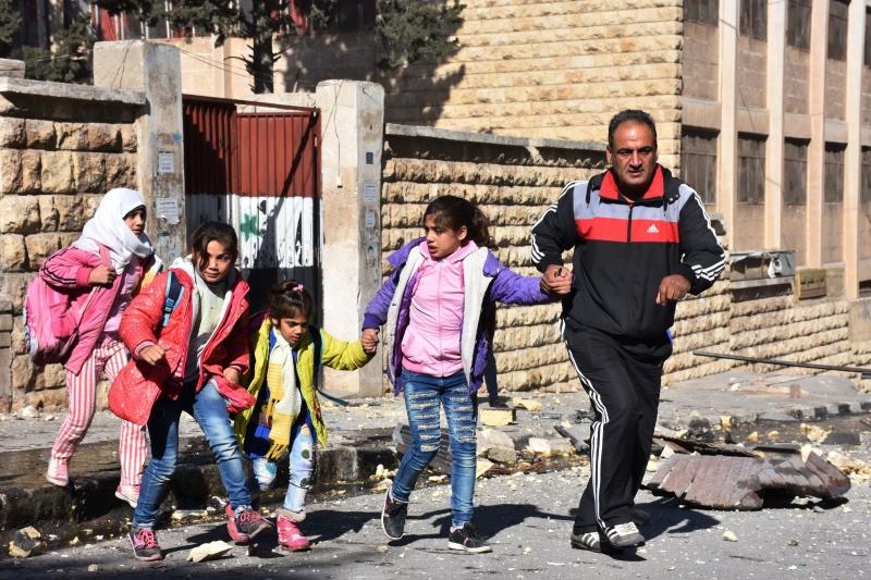 حذّر دي ميستورا من أن «الوقت ينفد ونحن في سباق مع الزمن» في شرق حلب (أ ف ب)