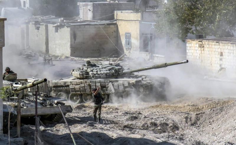 بدأ الجيش عمليات في مدينة التل ومحيط حرستا شمال دمشق (أ ف ب)