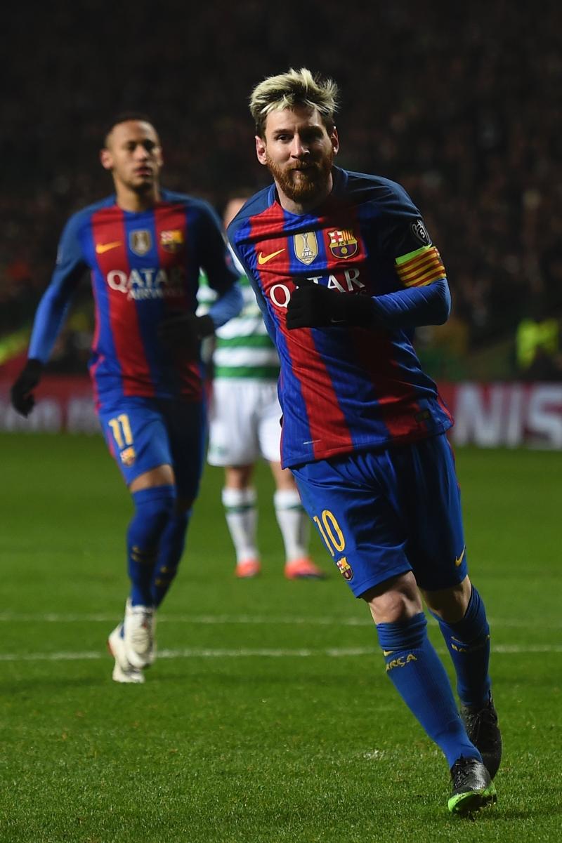سجل ميسي هدفي التأهل لبرشلونة (أ ف ب)