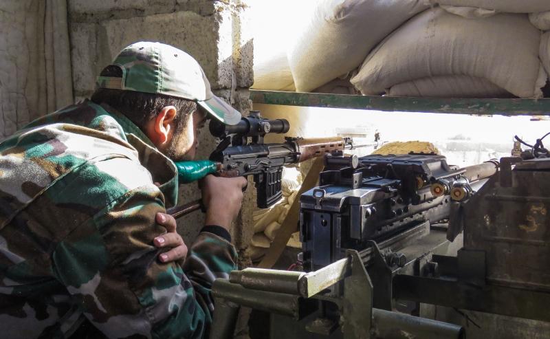 شهدت حلب الاسبوع الماضي أول لقاء مباشر بين قادة ميدانيين من حزب الله وضباط من الجيش الروسي (أ ف ب)