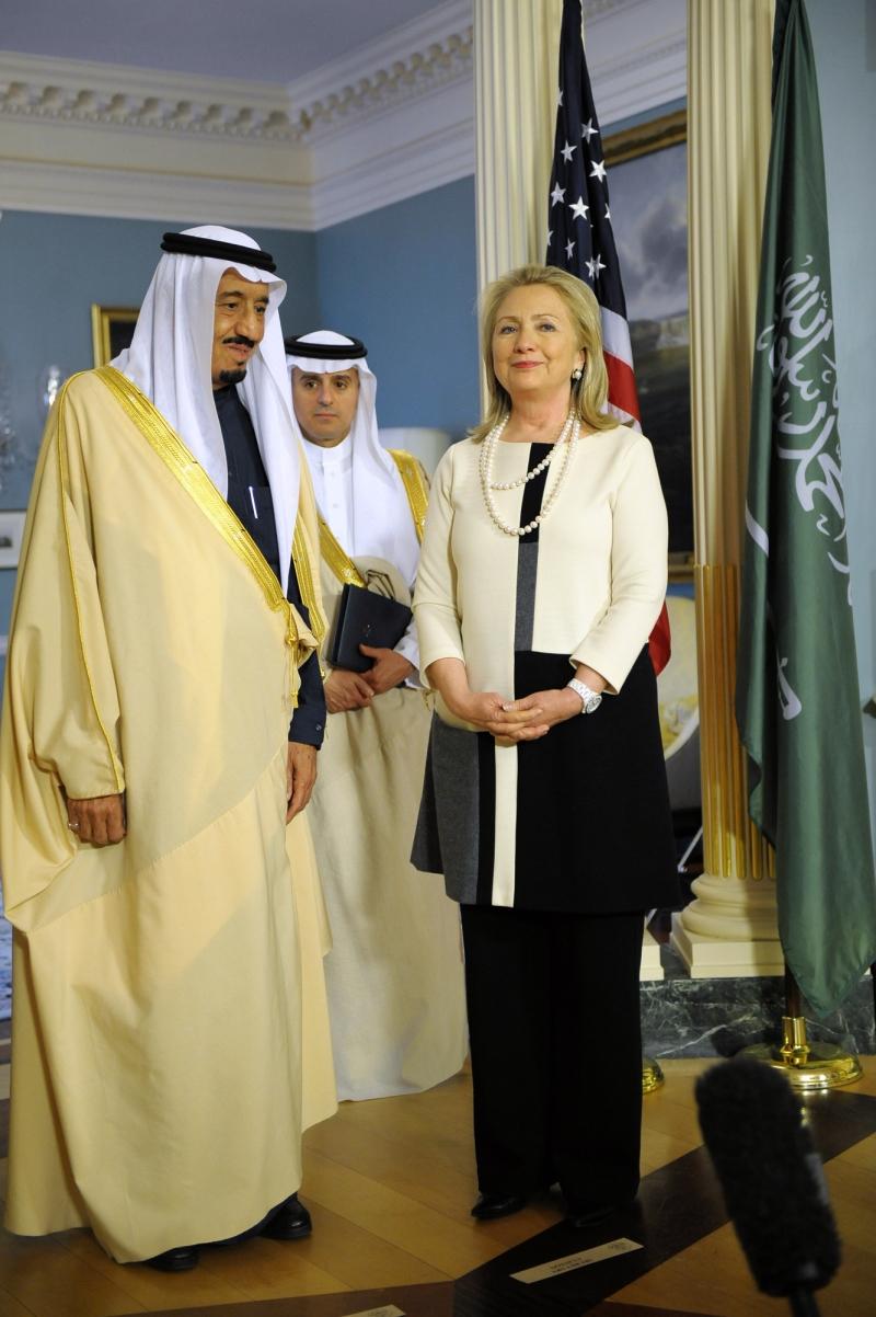 تظهر مفاعيل الكرم السعودي والإماراتي من خلال تقارير وندوات مراكز تتبع كلينتون