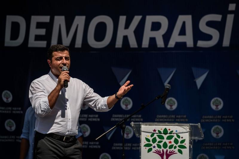 دميرطاش: أرفض أن أكون ممثلاً في مسرح قضائي لمجرد أنه تلقى الأمر من أردوغان (أ ف ب)
