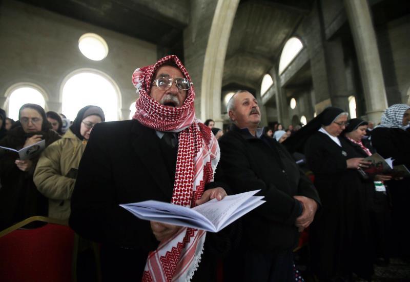 هل يُعقل أن الشعب في الأردن يعبّر عن رضاه عن الحريّات الصحافيّة والتعبيريّة بنسبة ٨٢٪؟