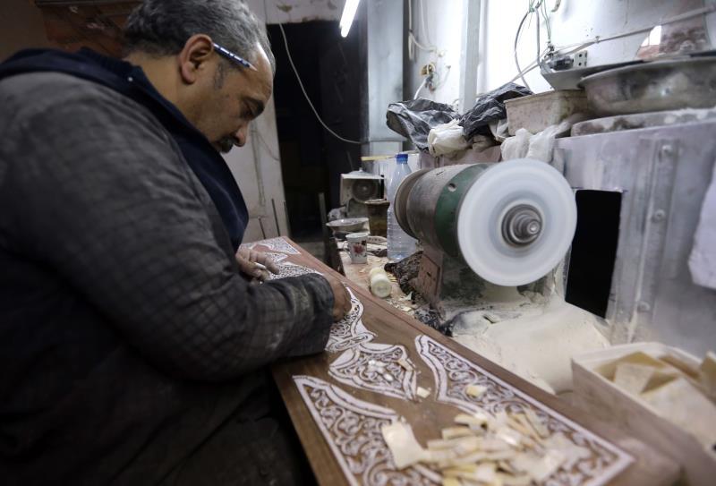 في أحد المشاغل في العاصمة دمشق