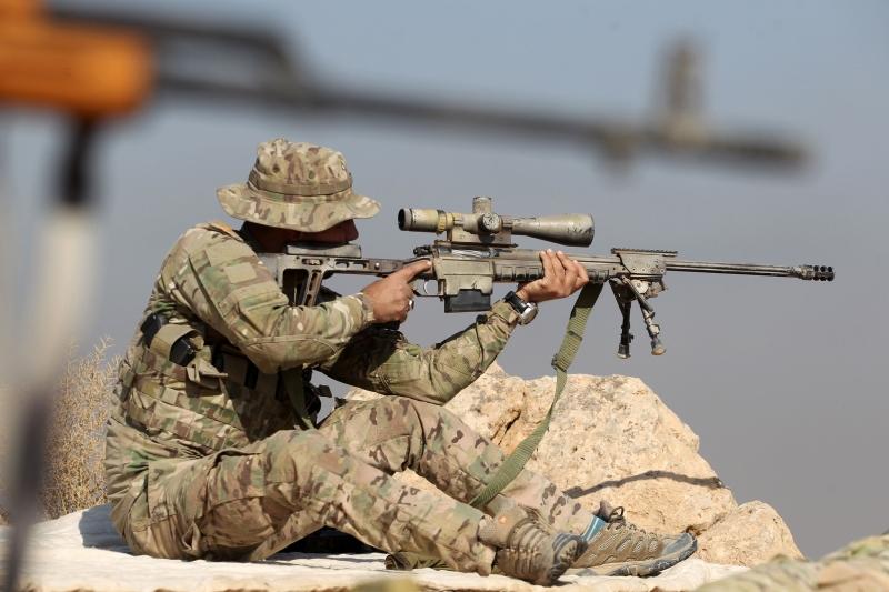 تمكنت القوى العراقية من السيطرة على طريق الموصل ــ كركوك (أ ف ب)