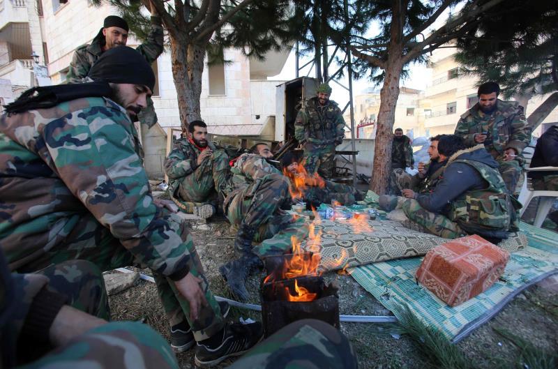 عناصر الجيش السوري في سلمى امس