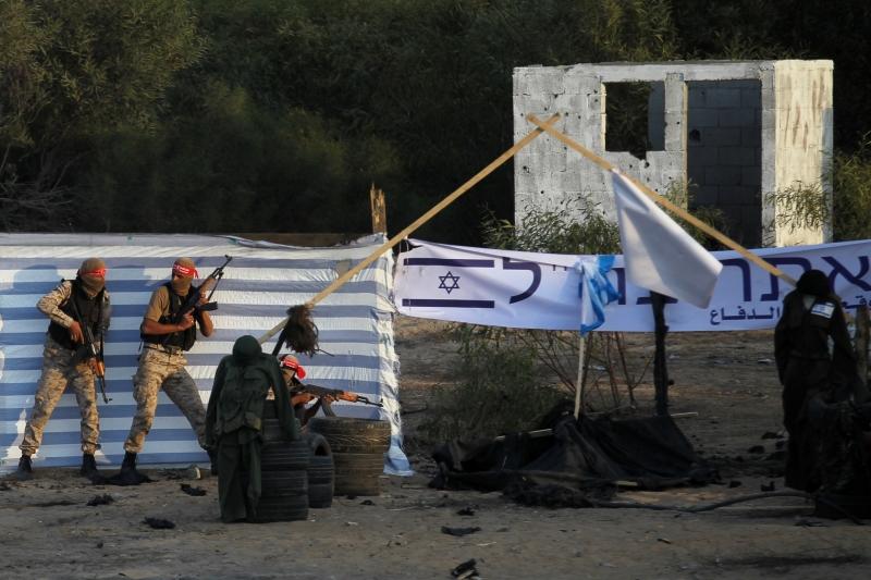 حزب الله والمقاومة الفلسطينية لا يقلان براعة في استخلاص العبر (أ ف ب)