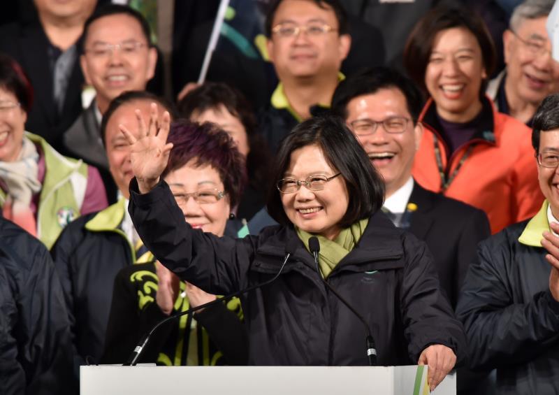 """تعد تساي بالعمل على تايوان """"أقوى"""" و""""فخورة بهويتها"""""""