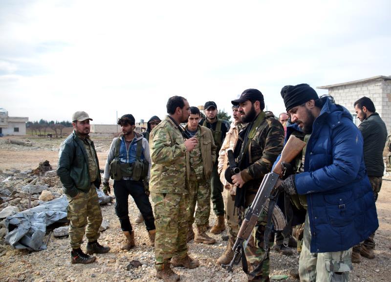 بدأ الهجوم بمشاركة 16 فصيلاً بعد استقدام تعزيزات من إدلب وحماة