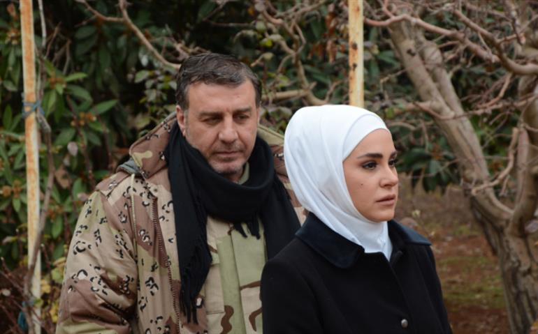 ديمة قندلفت ووائل رمضان في مشهد من المسلسل