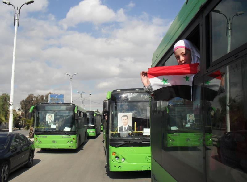 خلال دخول مئات المدنيين إلى حيّ القدم أمس