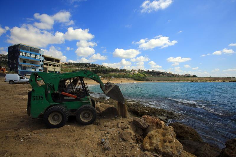 منذ 3 سنوات طُرح المشروع على أساس إقامة مسبح شعبي قبل أن ينحرف عن مساره (حسن بحسون)