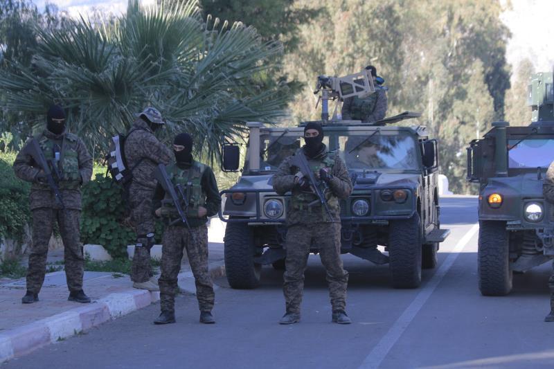 تصدت الحكومة للاحتجاجات المطلبية بيدٍ أمنية ثقيلة