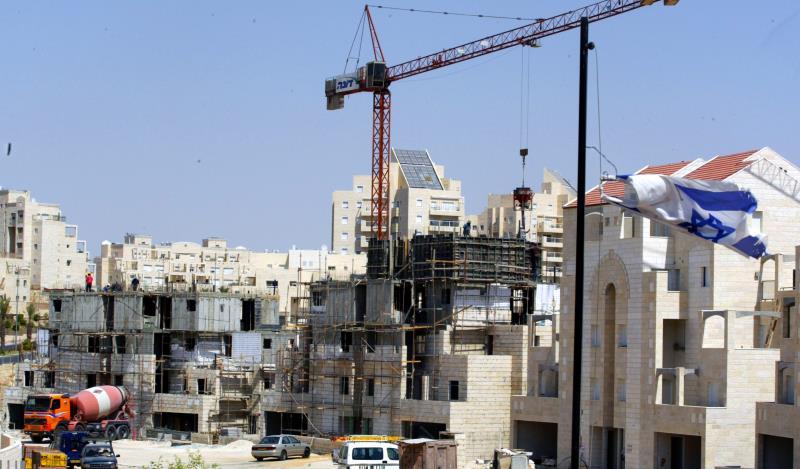 مشروع إسرائيلي لنزع الجنسيات من الفلسطينيين السنة وتهجيرهم